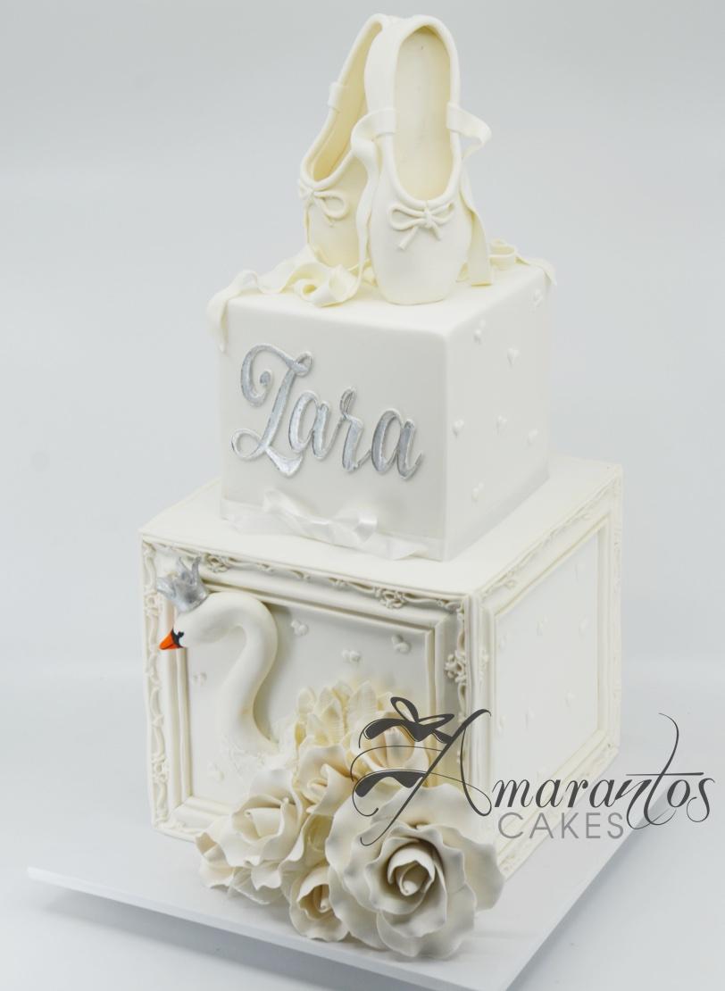 Swan Lake Cake - AC172 - Amarantos Cakes