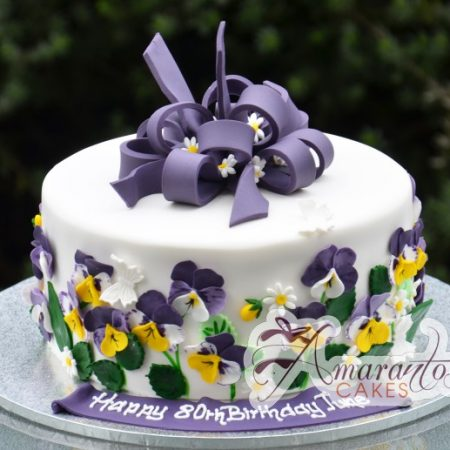 Round cake with sugared flowers – AC201