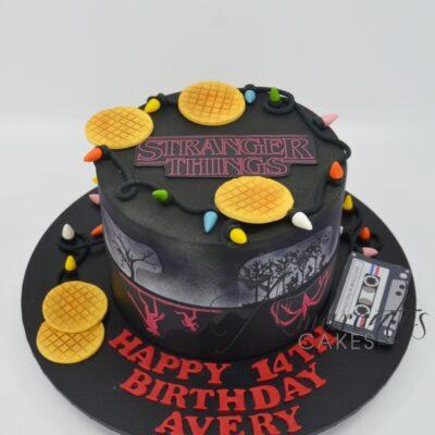 Stranger Things Cake - AC 210 - Amarantos Cakes