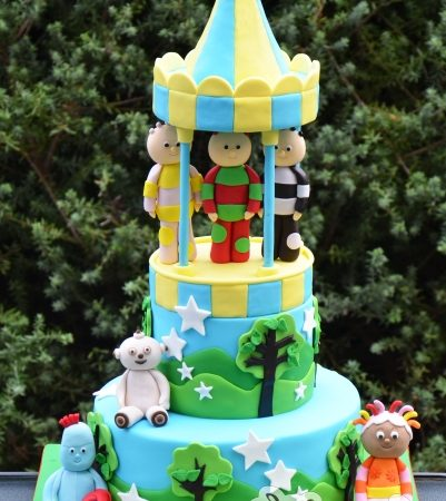 Two tier With In the Night Garden Figures – AC235
