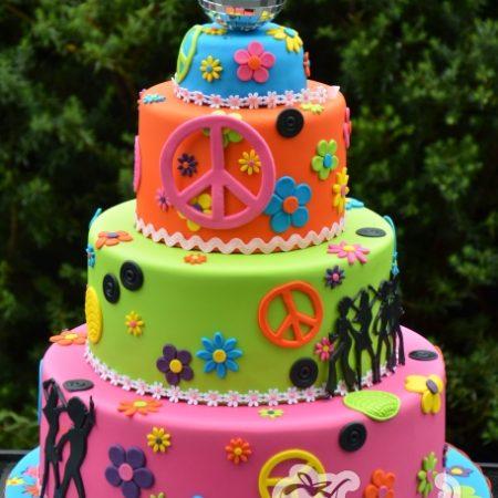 Three tier Hippie cake – AC245