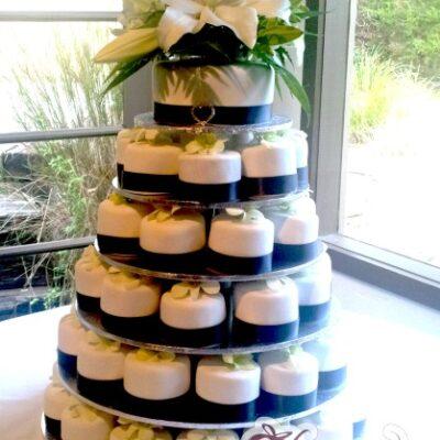 White Lillies Cake - Amarantos Designer Cakes Melbourne